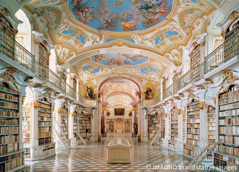 Prunksaal der Stiftsbibliothek