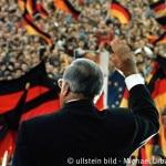 Wahl zur Volkskammer 1990: Bundeskanzler Helmut Kohl in Erfurt