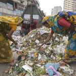 Muellsammlerinnen in Dhaka, Bangladesch