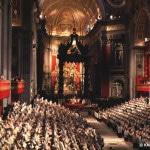 II. Vatikanisches Konzil Feierliche Eröffnung des II. Vatikanischen Konzils am 11. Oktober1962 in der Peterskirche, die als Konzilsaula diente.
