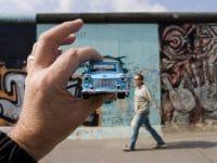 Neu bei imago images: Michael Hughes – Britischer Illusionist und Fotojournalist