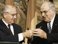 Im Fokus bei akg-images: 1989 – 1990 – Der Weg zur Einheit Deutschlands