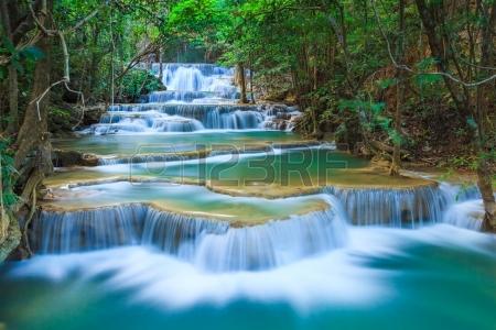 123rf_deep-forest-wasserfall-in-kanchanaburi-thailand