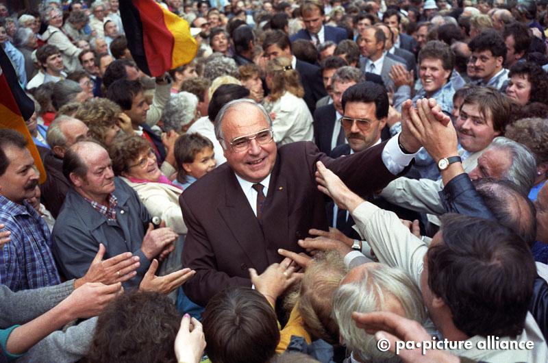 Kohl bei Eröffnung Landtagswahlkampf in Thüringen 1990