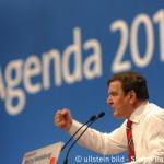 Sonderparteitag zur Agenda 2010 - Gerhard Schroeder
