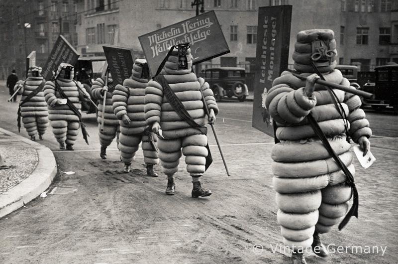 Berlin, Werbung fuer Michelinreifen, 1928