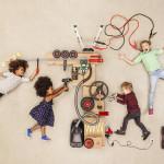 Children experimenting with electricity model released Symbolfoto PUBLICATIONxINxGERxSUIxAUTxHUNxONL
